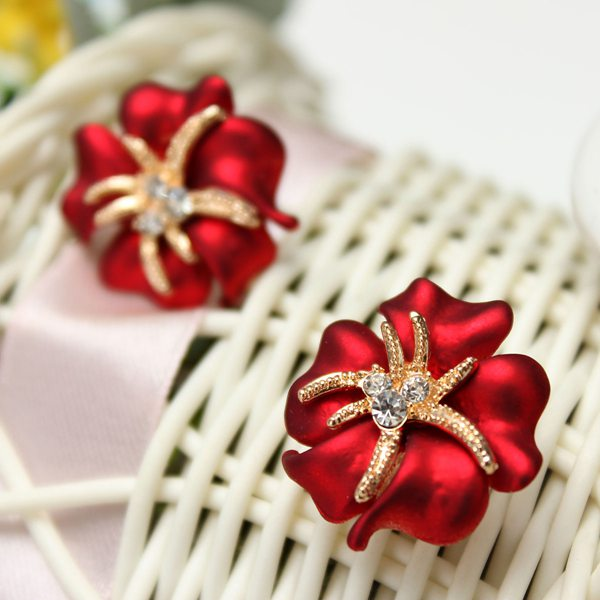Rhinestone Flower Stud EarringsRhinestone Flower Stud Earrings