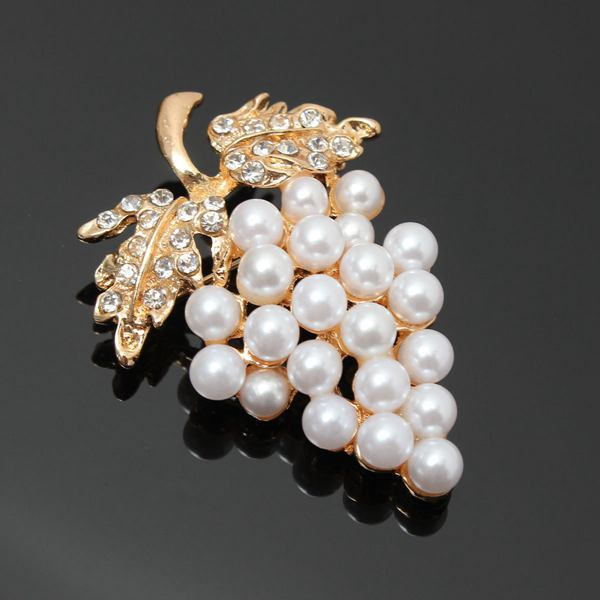Crystal Pearl Grapes Fruit Brooch