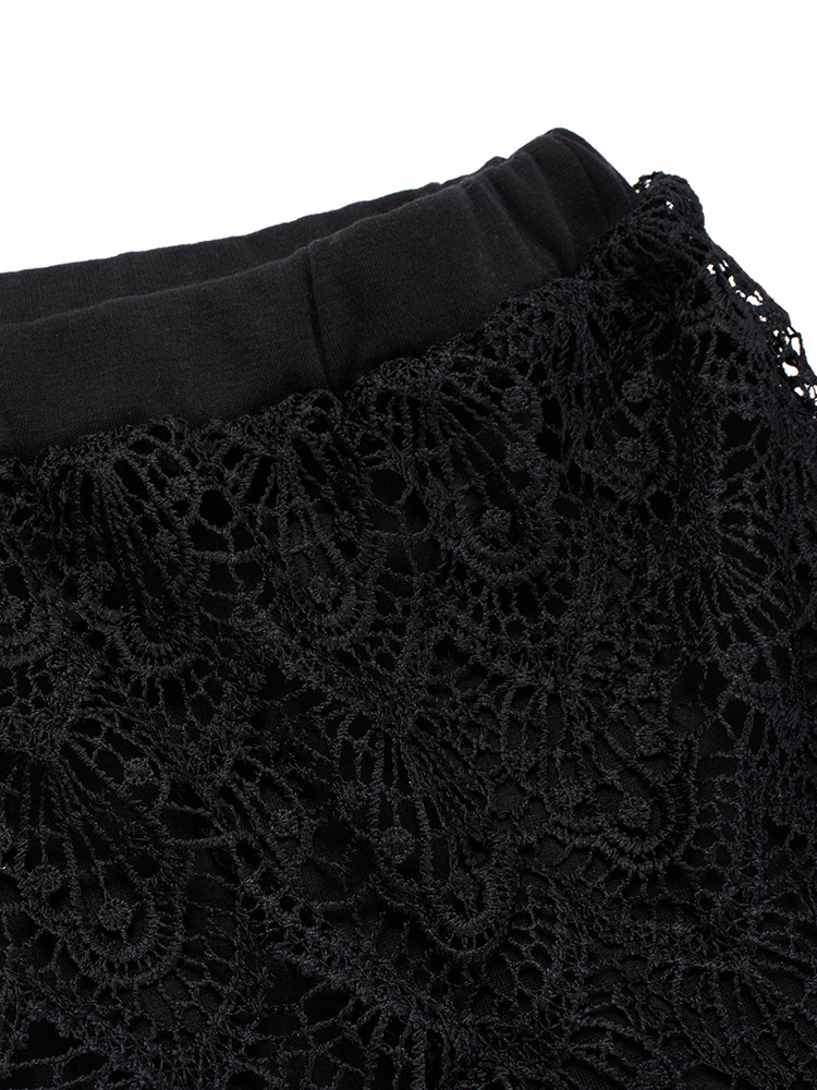Lace Two Piece Leggings Detail
