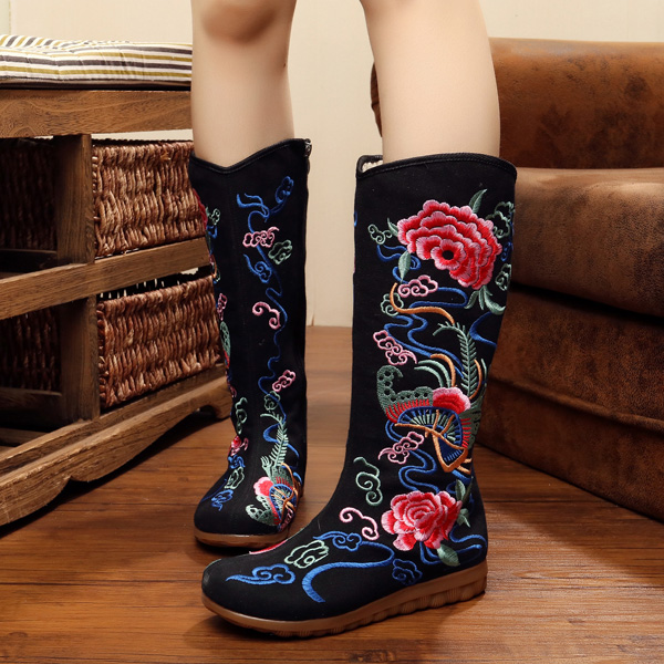 Women Embroidery Floral National Wind Canvas Flat Casual Mid-calf Boots