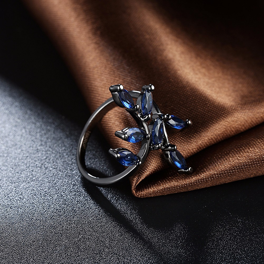 INALIS Vintage Luxury Leaves Glass Crystal Ring Gift For Women