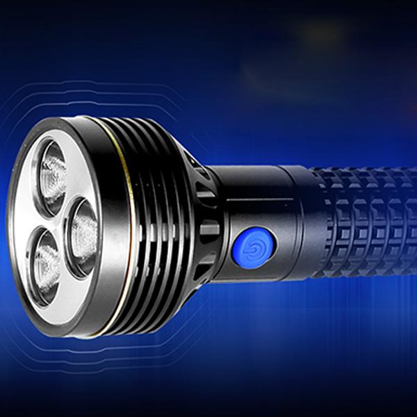 Olight SR96 3xCREE MK-R LEDs 4800 Lumen LED Flashlight