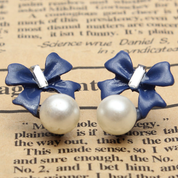 Bowknot Pearl Earrings