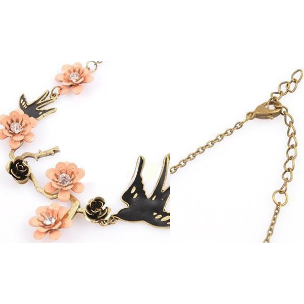 Vintage Carved Flower Swallow Crystal Short Necklace Pendant Chain