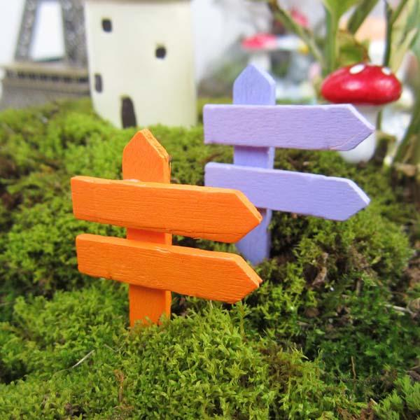 Micro Landscape Decorations Mini Wooden Road Sign Garden Landscaping