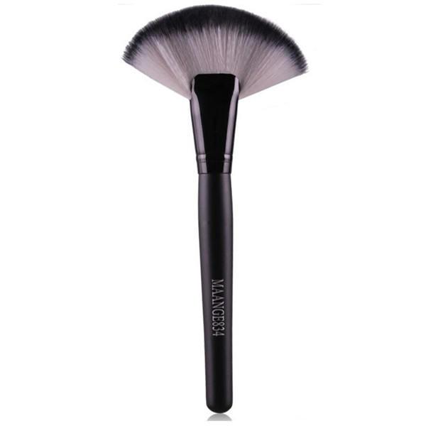 3 Colors Fan-shaped Makeup Brush Cheek