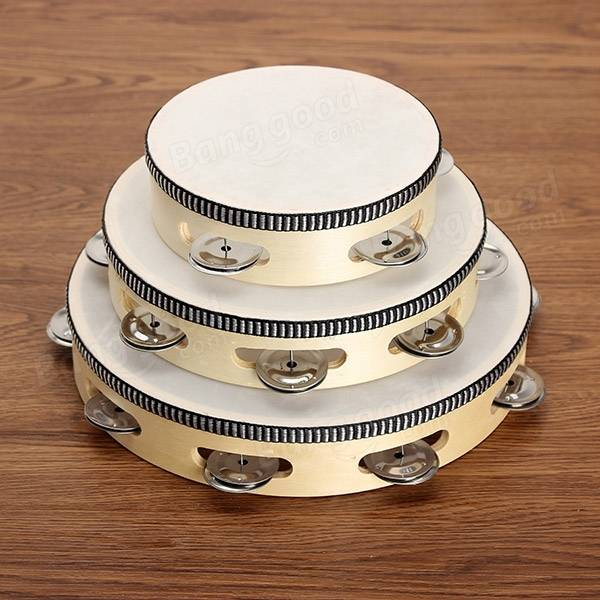 how to hold a tambourine