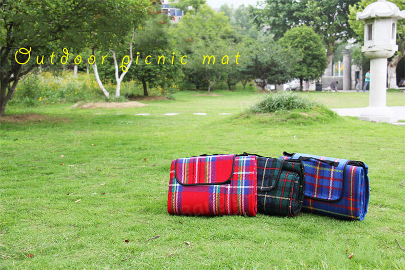 Camping Hiking 150 x 200cm Ground Mat Tent Picnic Mat Pad Sleeping Plaid Mat