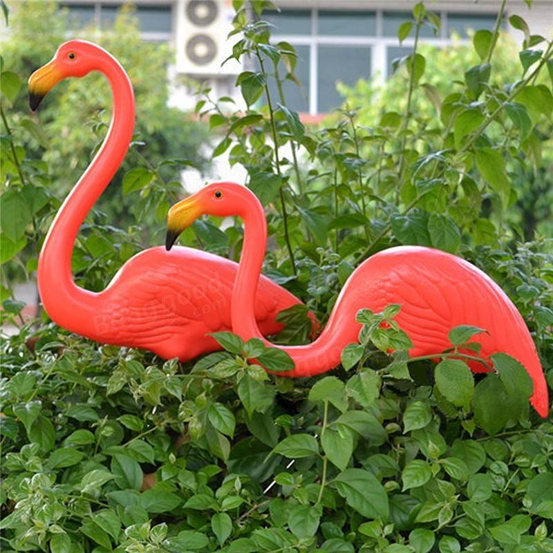 1 pair red lawn flamingo figurine plastic party grassland for Decorative lawn ornaments