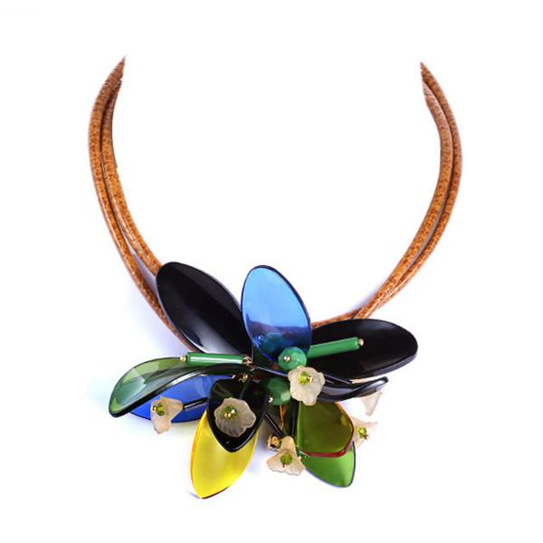 Colorful Leather Strap Acrylic Flower Pendant Necklace For Women