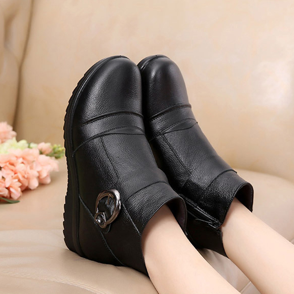 Artificial Fur Lining Black Color Zipper Round Toe Ankle Snow Boots