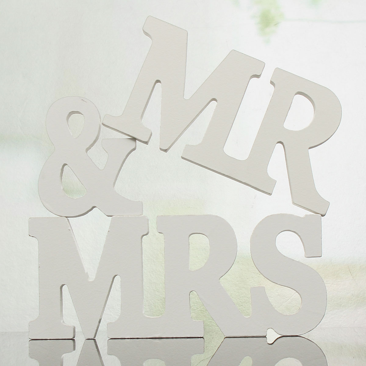 Mr mrs wooden letters sign top table decoration wedding for Decoration 5 letters