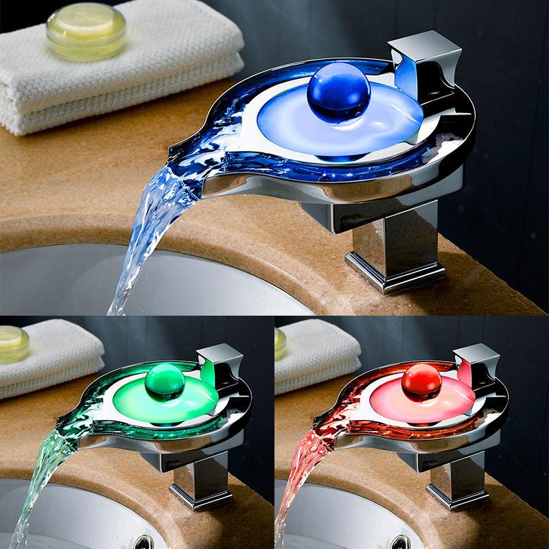 LED grifo de una sola palanca cascada Cuarto de baño grifo mezclador