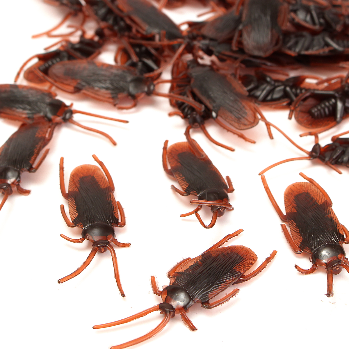 50Pcs Halloween Plastic Cockroaches Rubber Toy Joke Prop Realistic Decoration - Photo: 4
