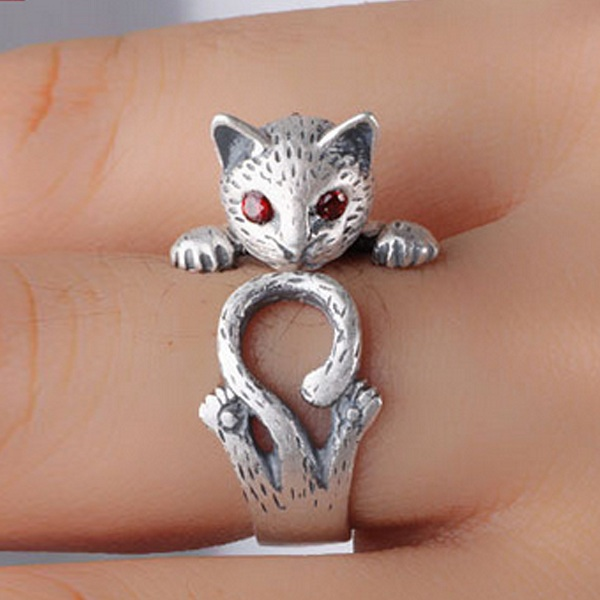 Vintage Finger Rings Red Eyes Fortune Cat  Cute Antique Silver Rings Ethnic Jewelry for Women