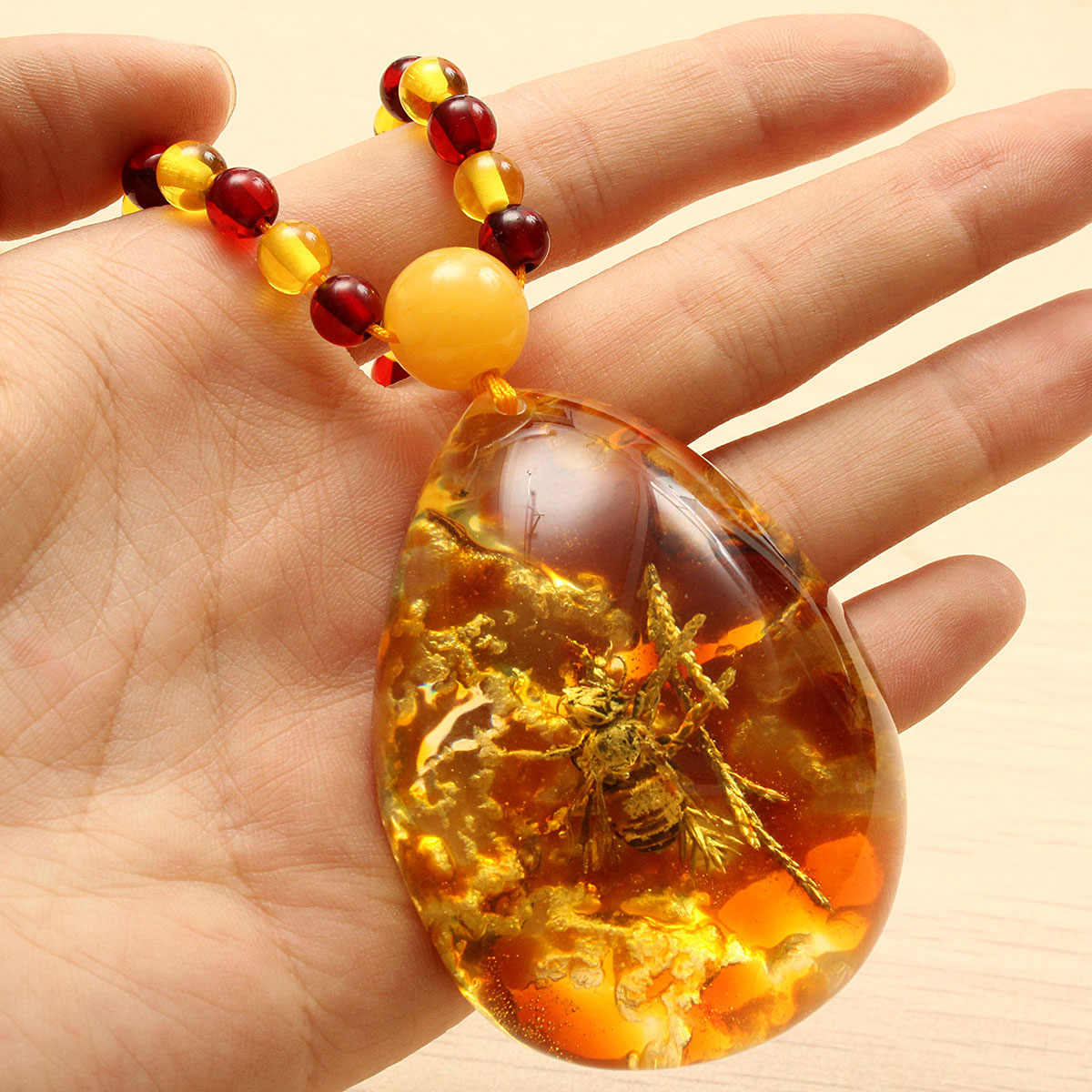 Vintage Amber Insects Beads Pendant Necklaces Charming Long Necklace for Men for Women