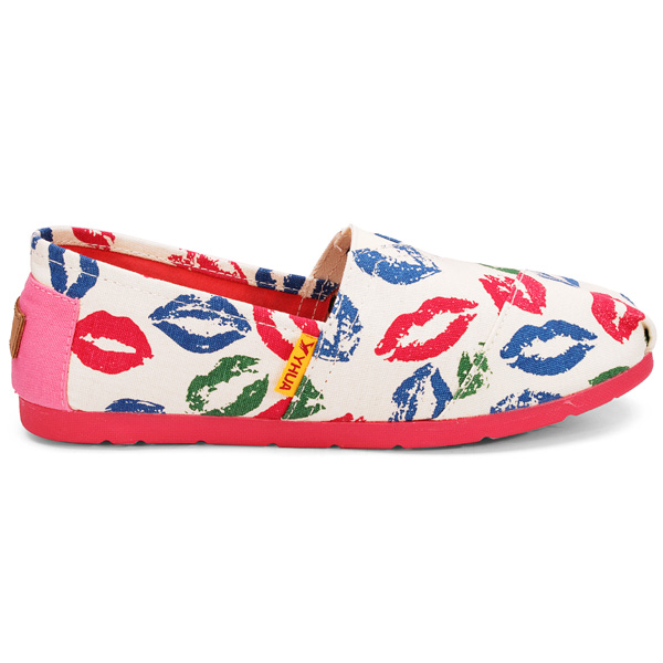 Canvas Lips Print Loafers Women Casual Flat Shoes