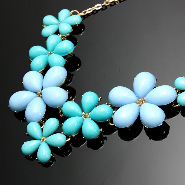 Acrylic Flowers Pendant Necklace