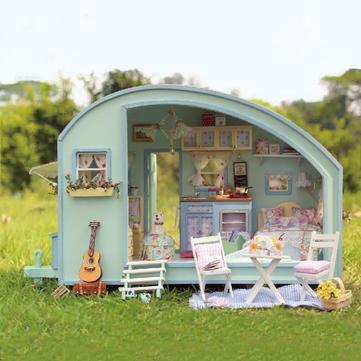 CuteRoom A-016 Tiempo de viaje DIY Casa de muñecas de madera Kit de miniatura Casa de muñecas LED Música Control de voz