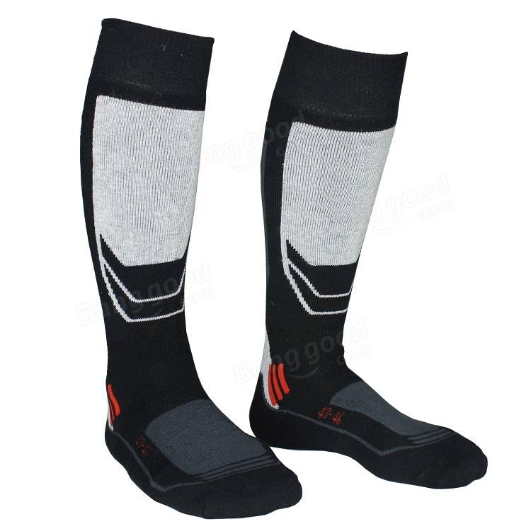 Socks with a thick cushion around the heel and ankle and under the ball of the foot help to prevent blisters and keep the foot comfortable. Some extra thick socks have protection against odor, and moisture wicking socks keep the feet dry while warding off odors, as well.